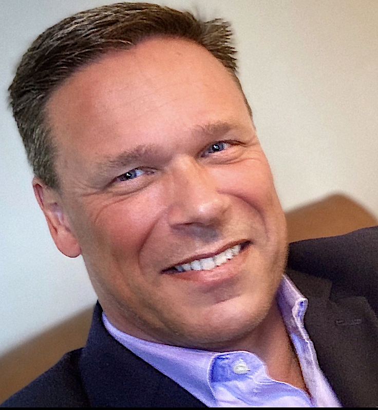 Tom Martin Social Selling Keynote Speaker and Sell Greatly Sales Trainer